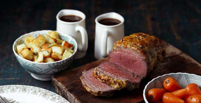 Mini roast beef with mustard crust